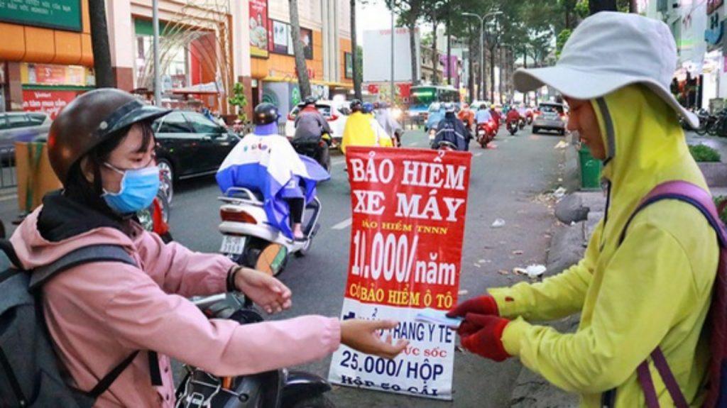 Bảo hiểm xe máy lề đường