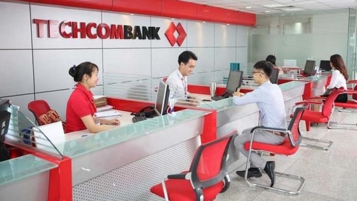 Giao dịch tại quầy Techcombank