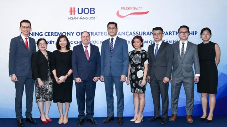 UOB ký hợp tác với Prudential